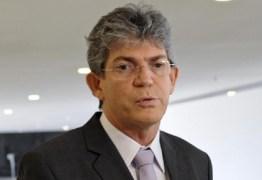 Ricardo Coutinho lamenta erosão da Barreira do Cabo Branco e considera que falta gestão