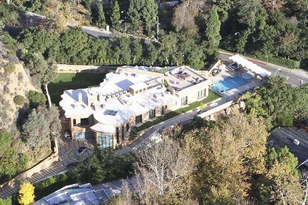 rihana casa - Rihanna compra nova mansão por 22 milhões de reais