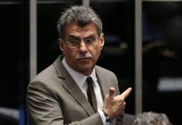 Romero Jucá acusa Procurador Geral da República de ter fetiche por seu bigode