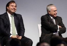 Em meio à crise Temer e Maia disputam deputados do PSB