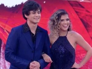 """546852674 lucas veloso e nathalia melo 300x225 - Lucas Veloso disputa final da """"Dança dos Famosos"""" neste domingo"""