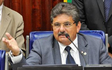 adriano galdino 300x188 - 'Não quero me envolver em moído', declara Adriano Galdino sobre reuniões do PSB