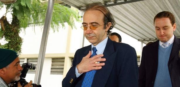 farah jorge farah cirurgiao condenado a 13 anos de prisao pela morte da amante em 2003 1339699031072 615x300 1 - Farah Jorge Farah injetou silicone no peito e nas nádegas antes de se matar