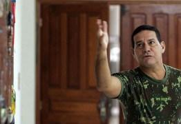 Após críticas de Haddad, Mourão afirma que vai processar artista que o acusou de ser torturador