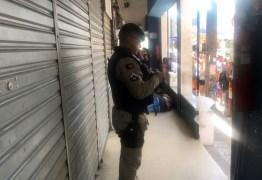 PÂNICO NO 4400: Homem é morto a tiros no em shopping no Centro de João Pessoa