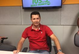CAMISA PEDINDO VOTO: Prefeito de Barra de São Miguel é cassado pela Justiça Eleitoral
