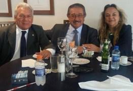 Em viagem à Brasília prefeito de Cajazeiras informa a população sobre peregrinação e conquistas