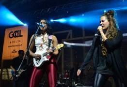 EM PENO AR:  Lucy Alves se apresenta em primeiro show ao vivo em aeronave
