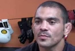 Lutador brasileiro sofre grave acidente de carro e está internado
