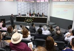 Ricardo reúne auxiliares para compartilhar a conquista do Prêmio Excelência em Competitividade