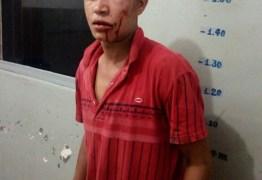Homem invade casa, tenta estuprar mãe e filha de 3 anos e é agredido pela vítima