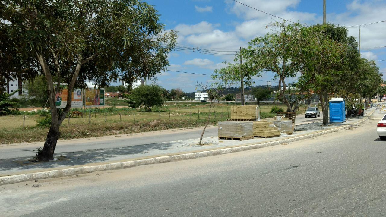 5 - Prefeitura de Campina faz obras sem placas informativas, para encobrir empresa prestadora do primo do prefeito