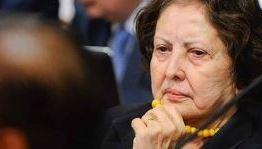 Autora do projeto de demissão de concursados, faltou mais de 80% das sessões no Senado