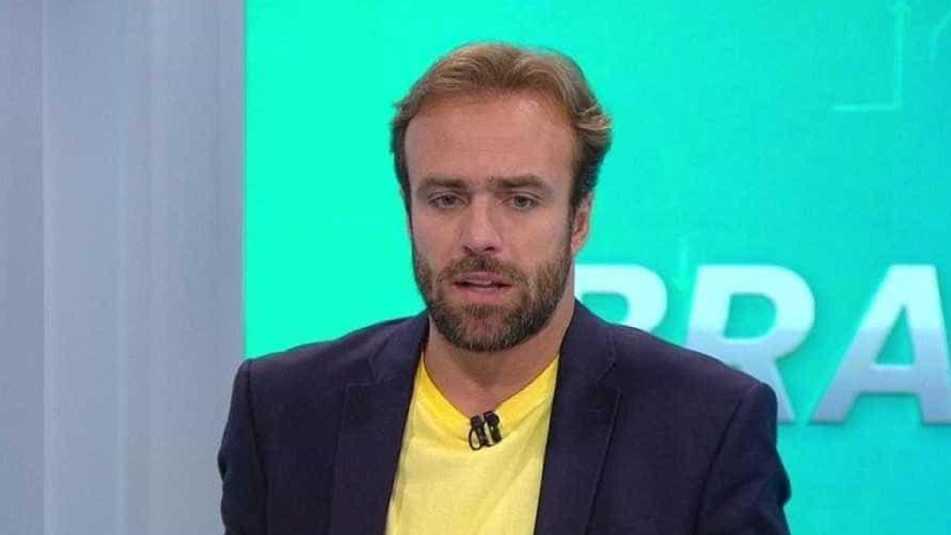869 - Jornalista critica a Globo por preferir ex-jogadores como comentaristas