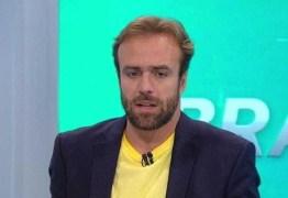 Jornalista critica a Globo por preferir ex-jogadores como comentaristas