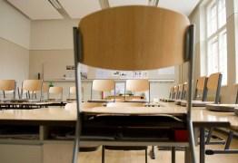 Professora é empurrada por pai de aluno e recebe ameaças