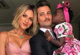 Bruno Gagliasso fala sobre expectativa para adoção do novo filho, 'muito felizes'