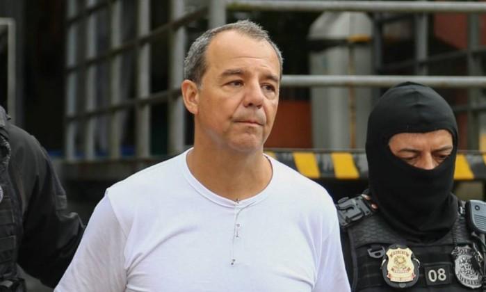 SÉRGIO CABRAL NOVO - Sérgio Cabral é punido por ter sido flagrado com dinheiro na cadeia