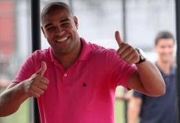 Agente de Adriano Imperador abre negociação com clube de São Paulo