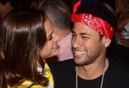 Neymar canta e fãs falam de recado para Bruna: 'Vacilei, mas te amo'