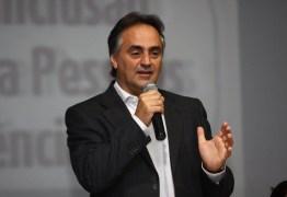 Luciano Cartaxo anuncia 14º salário para professores