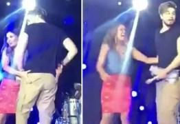 VEJA VÍDEO: Fã aperta bumbum de Luan Santana em show e deixa cantor sem graça