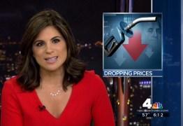VEJA VÍDEO: Bolsa de apresentadora de televisão se rompe ao vivo