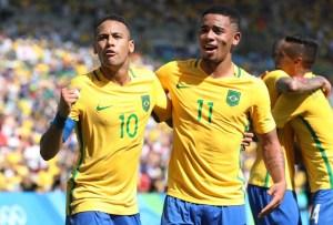nintchdbpict0002988204701 300x203 - Gabriel Jesus 'ataca' de fotógrafo em voo da seleção e é zoado por Neymar; vídeo