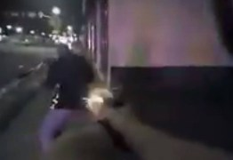 VEJA VÍDEO: Policial mata a tiros ciclista que estava sem lanterna traseira