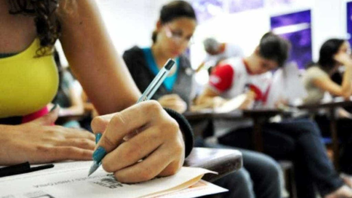 prova teste sala alunos - Ministro da Educação defende direito ao uso do FGTS para quitar Fies
