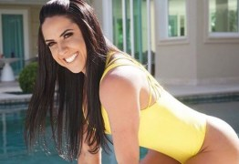 Graciele Lacerda faz ensaio na mansão onde mora com Zezé Di Camargo, veja