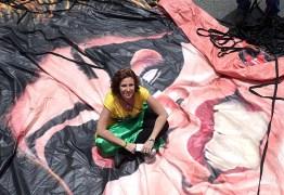 Ativista Carla Zambelli recebe voz de prisão de deputado petista