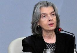 'Vivemos tempos de intolerância', diz Cármen Lúcia