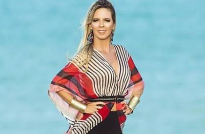 """Janaina Loira Pressao - Cantora paraibana revela nas redes sociais estar sofrendo ameaças: """"disse que iria me estuprar"""""""