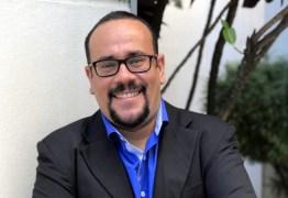 Professor de Libras oferece curso Pré-vestibular e fala sobre a importância do tema da redação do ENEM 2017