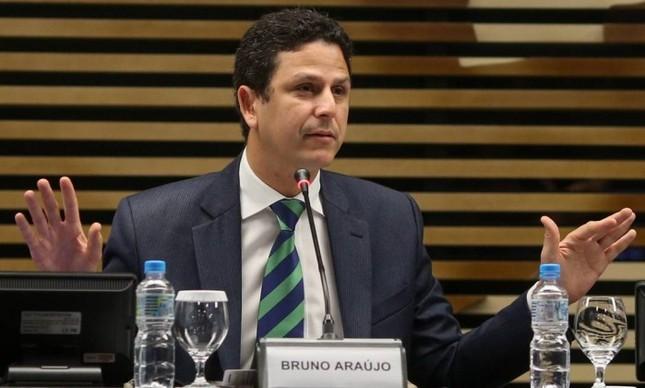 bruno araújo - 'Ministro esperto...': Araújo privilegiou suas bases eleitorais em Pernambuco com recursos do programa Minha Casa Minha Vida