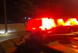 Três delegados são assaltados na saída de restaurante