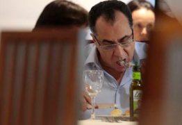 BRASÍLIA: Flagrado com queijo e biscoito na cueca, deputado-presidiário vai para isolamento
