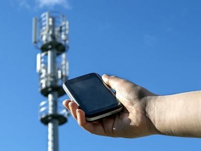 Safra recebe autorização da Anatel para iniciar serviços de operadora móvel