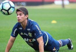 Conca treina até fora do Flamengo e fica mais forte para provar que pode ter última chance