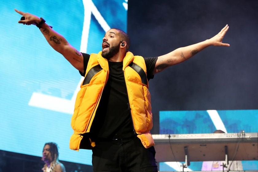 drake31 - Drake interrompe show para brigar com fã que assediava mulheres