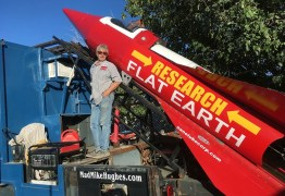 TEORIA DA TERRA PLANA: Homem vai se lançar em foguete para provar que planeta é como a Bíblia diz