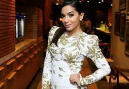 Anitta lança música em NY e bate recorde na Billboard