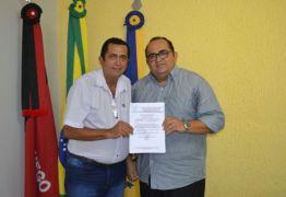 Natanael Leal entrega a secretaria de Infraestrutura em Rio Tinto