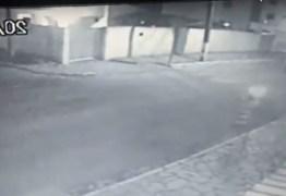 NOS BANCÁRIOS: Homem reage a assalto e acaba baleando mulher e bebê de apenas cinco meses