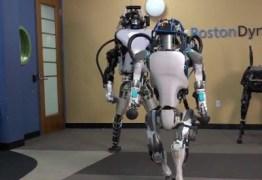 VEJA VÍDEO: Robô Atlas da BD já sabe 'virar mortal de costas'; não há mais como fugir