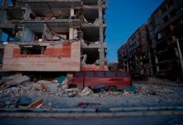 Terremoto de 7,3 graus na fronteira entre Irã e Iraque mata mais de 300