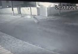 REVEJA VÍDEO: Policial conta sua versão sobre troca de tiros que baleou mãe e bebê de cinco meses