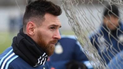 xmessi renovacao barcelona.jpg.pagespeed.ic .PN4yp8otgH 300x169 - COPA AMÉRICA: Messi foi o jogador mais popular durante campeonato