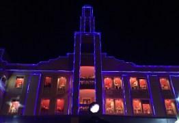 VEJA VÍDEO: Coro Infantil canta músicas natalinas das janelas do Paraíba Palace